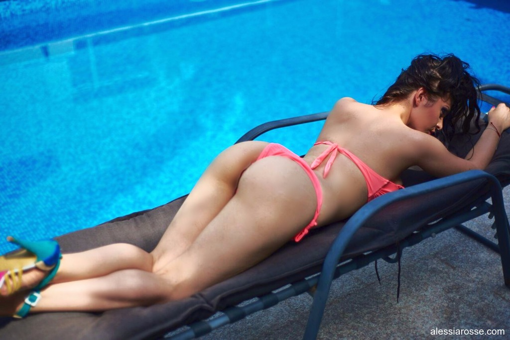 Alessia Rosse Is Sexy By The Pool 09