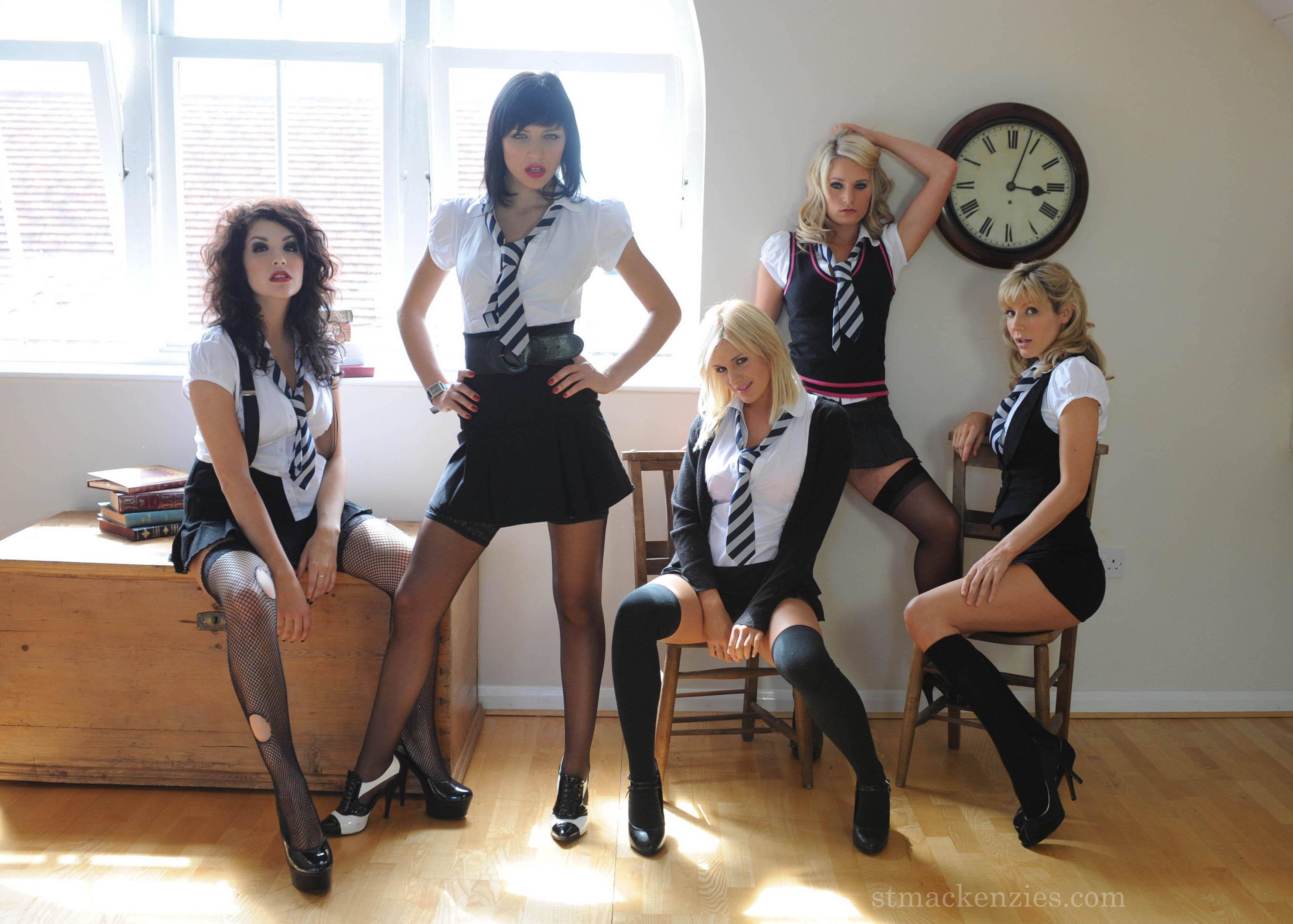 very hot schoolgirls   picture 1 15 babeimpact
