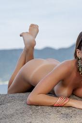 Sexy Babe Alana Alexandrino