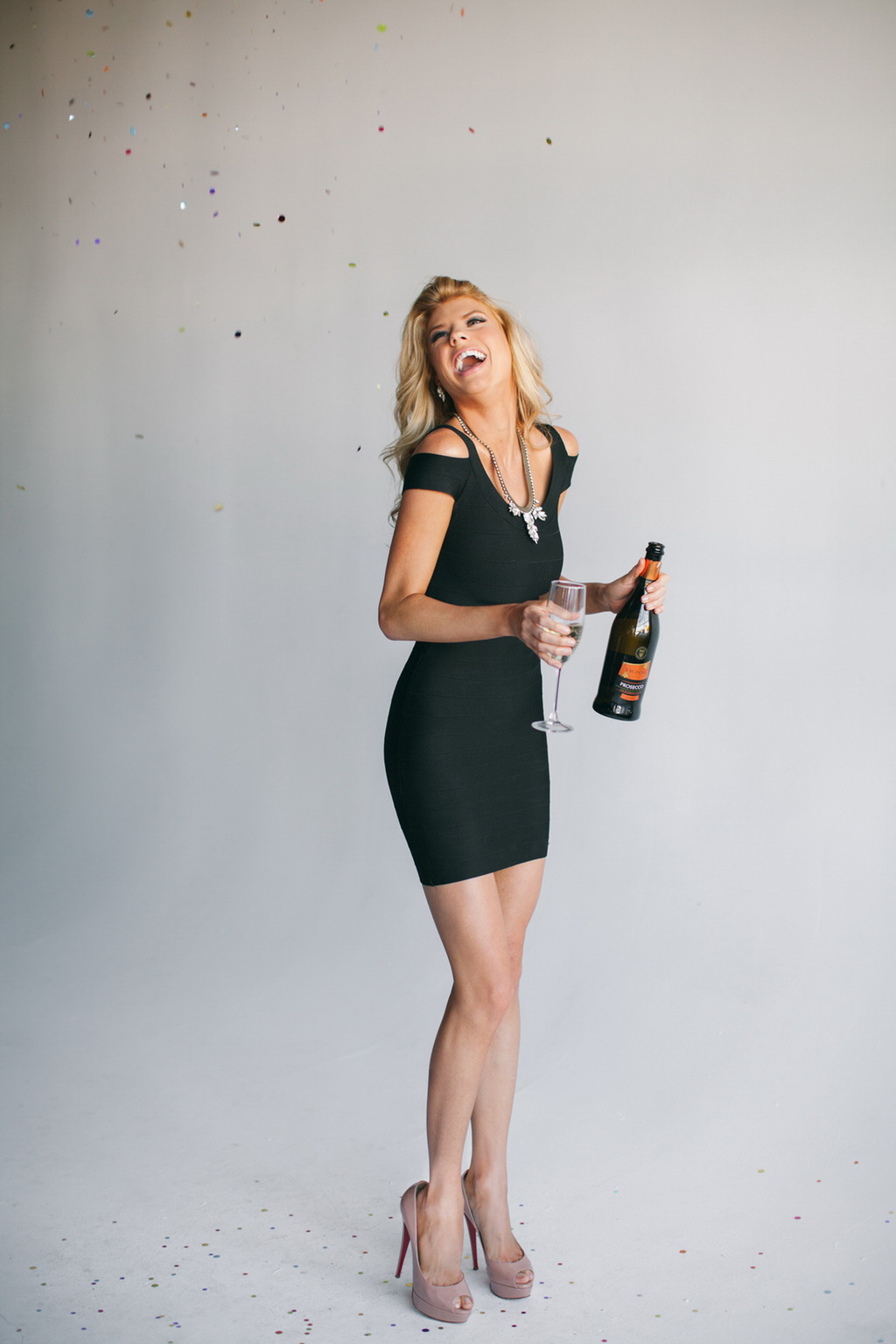 Charlotte McKinney 15