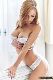 Erotic Brunette Vivienne
