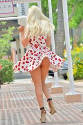 Amateur Blond Girl Bonnie