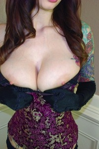 Ivy Snow undressing for us