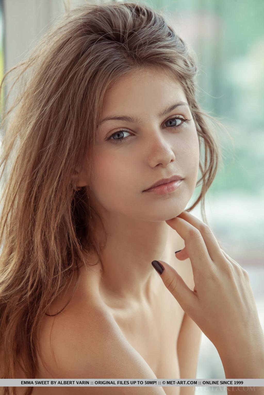 Emma Sweet 05