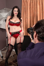 Noelle Easton In How To Make A Model