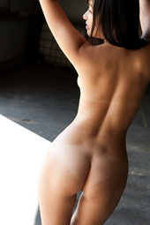 Nana Ogura Shows Her Amazing Body