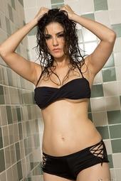 Sunny Leone Sexy Shower