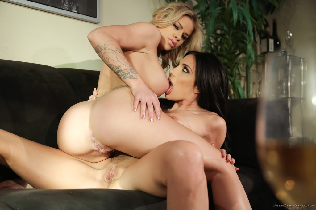 Lustful Lesbians 11