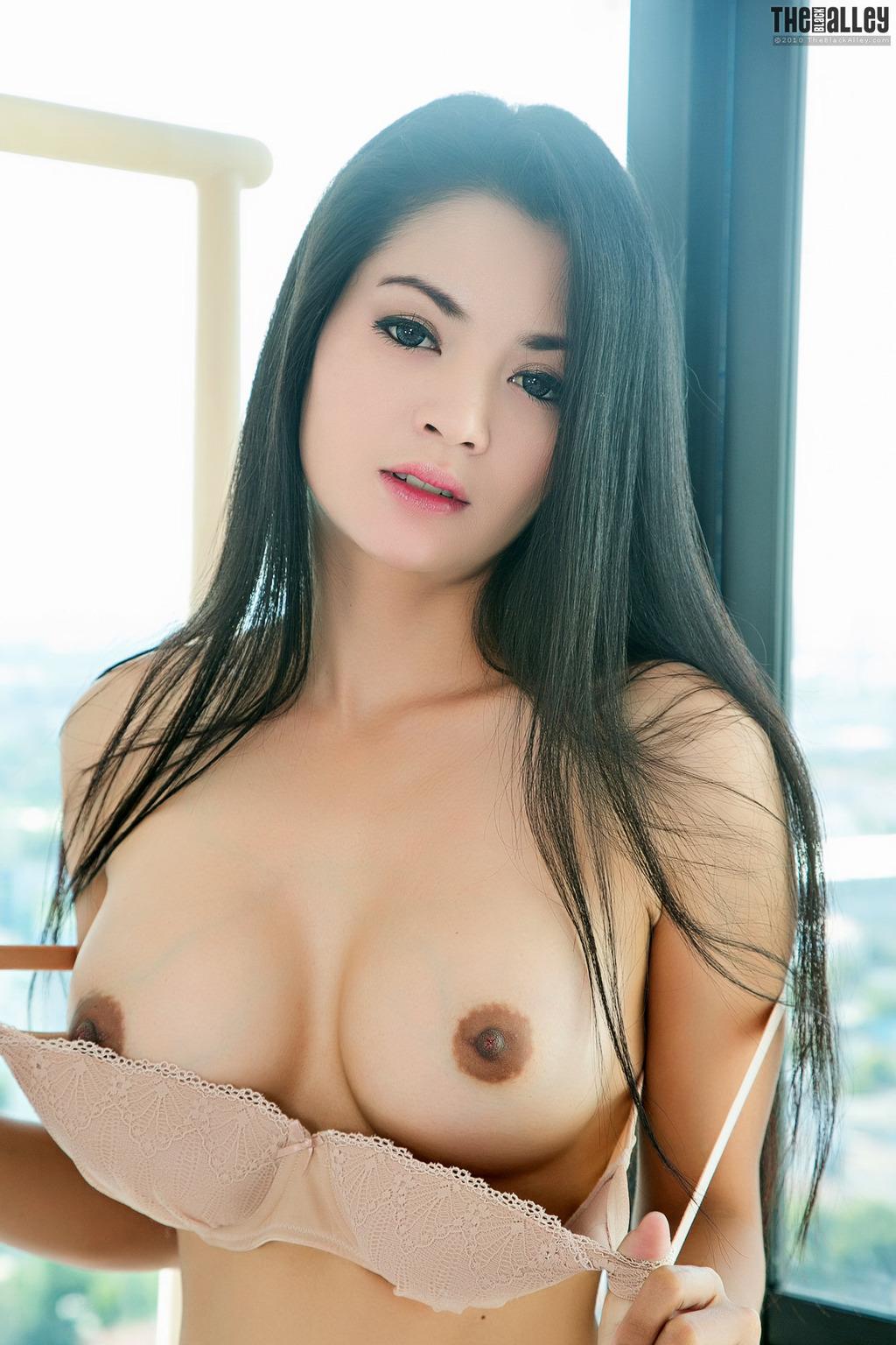 Big boobs dark nippled web cam girl lactating mrno 5