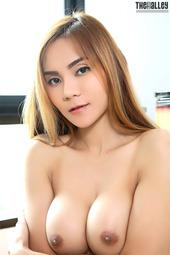 Hot Asian Model Anna
