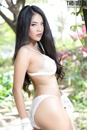 Flawless Asian Babe Arya
