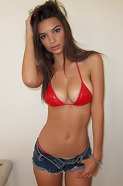 Beautiful Emily Ratajkowski