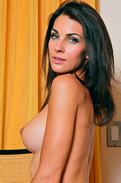 Brunette Babe Petra