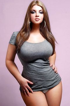Witness Some Seriously Big And Sexy Body Curves