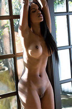 Beautiful Naked Alyssa Lee