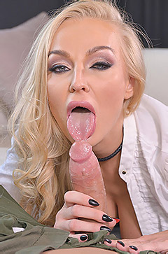 Kayla Green Gets Horny