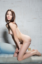 Olyvia In Strict Beauty