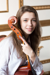 Milla In Violoncello