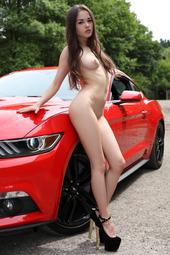 Li Moon In Mustang