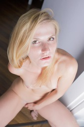 Sweet Blonde Fifi Y
